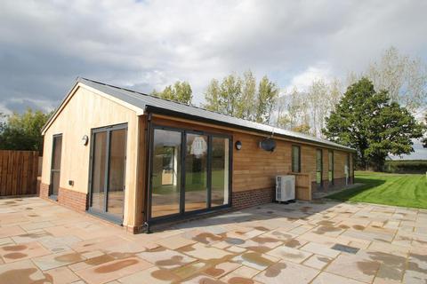 3 bedroom detached house to rent - Biddenden Road, Frittenden, Kent, TN17 2BE