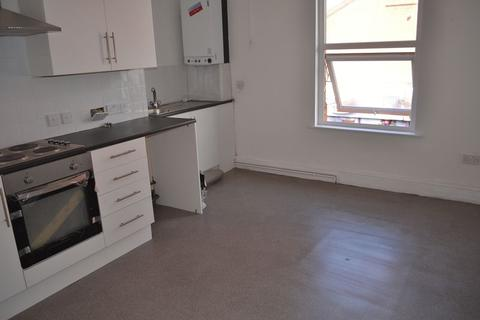 1 bedroom flat to rent - Warbreck Moor, Aintree, Liverpool