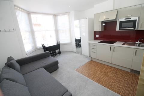 Studio to rent - Landport Terrace, Southsea
