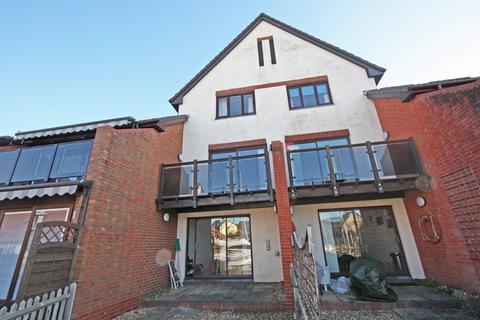 3 bedroom townhouse to rent - Carbis Close, Port Solent