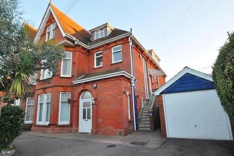 2 bedroom apartment to rent - Balmoral Road, Poole