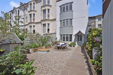 4 bedroom end of terrace house for sale - Auckland Road East, Southsea, Hampshire