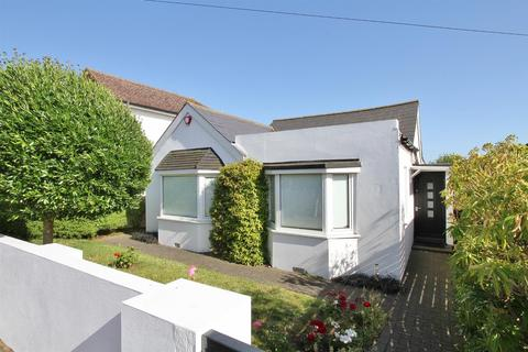 2 bedroom detached bungalow for sale - Midway Road