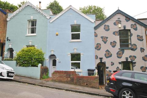2 bedroom terraced house for sale - Totterdown
