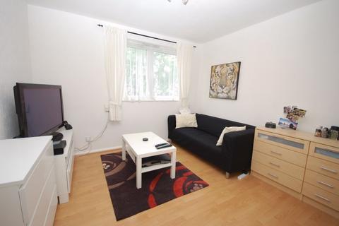 Studio to rent - Keats House, Porchester Mead, Beckenham, Kent