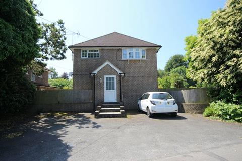 3 bedroom flat for sale - Greenways, Haywards Heath