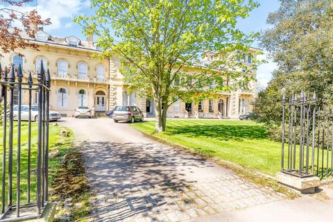 6 bedroom terraced house for sale - Lypiatt Terrace, Cheltenham, Gloucestershire, GL50