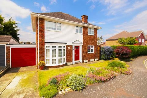 3 bedroom detached house for sale - St. Johns Way, Rochester