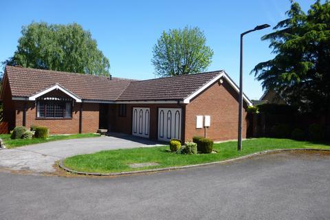 3 bedroom detached bungalow for sale - Convent Grove, Bessacarr, Doncaster, DN4 7AR