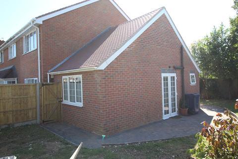1 bedroom semi-detached house to rent - Geralds Road
