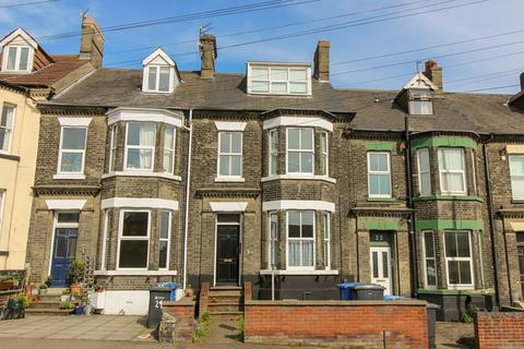 Studio to rent - Flat 3, 31 Clarence Road