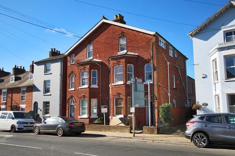 Studio to rent - Southampton Road, Lymington, Hampshire, SO41