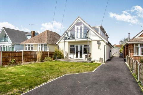 4 bedroom bungalow for sale - Lulworth Avenue, Hamworthy, Poole
