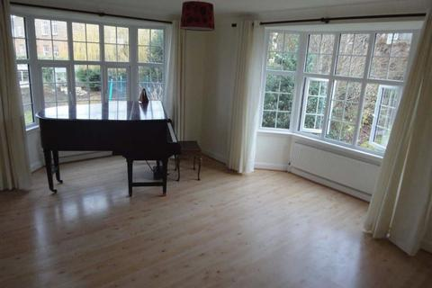 1 bedroom flat to rent - North Parade