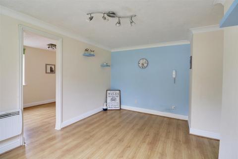 Studio for sale - Brighstone Court, Oakhill Road, Purfleet