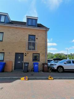4 bedroom townhouse to rent - Draper Close, Grays