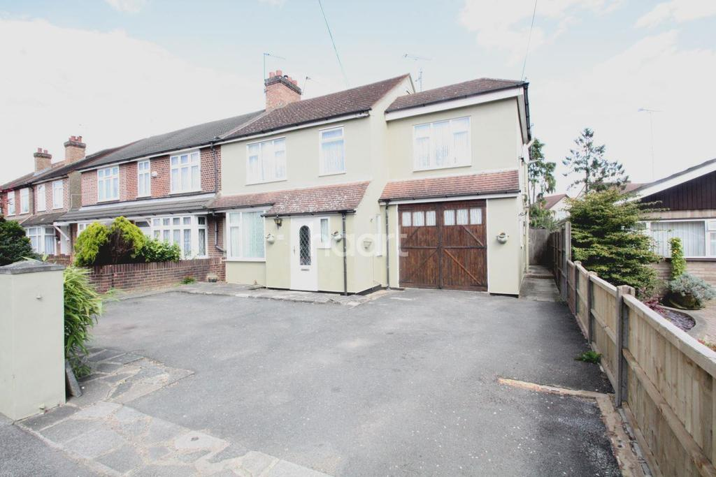 5 Bedrooms Semi Detached House for sale in Stanwell Road, Ashford