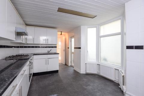4 bedroom terraced house to rent - Stanhope Road, North Finchley, London, N12