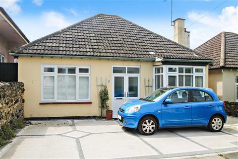 2 bedroom bungalow for sale - Hill Road, Southend On Sea, Essex