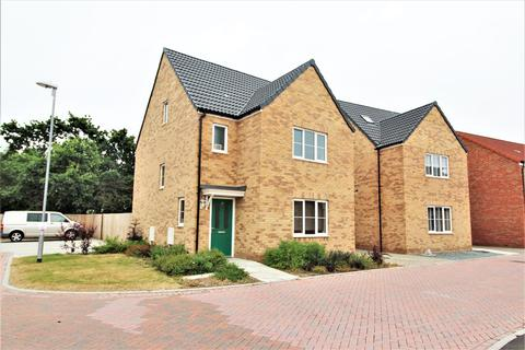 4 bedroom detached house for sale - Ken Gatward Close, Frinton-On-Sea