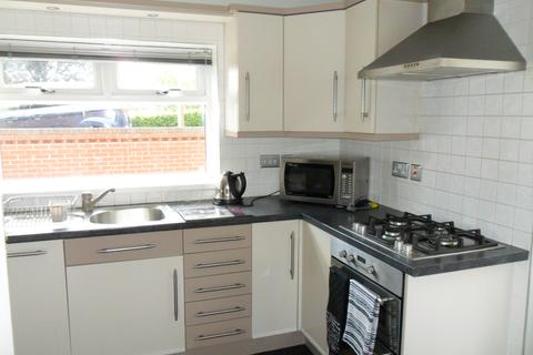 2 bedroom semi-detached house to rent - Frome Walk, Tunstall, Stoke-on-Trent ST6