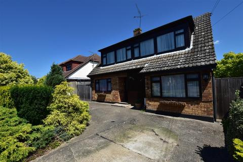 4 bedroom chalet for sale - Hullbridge Road, South Woodham Ferrers