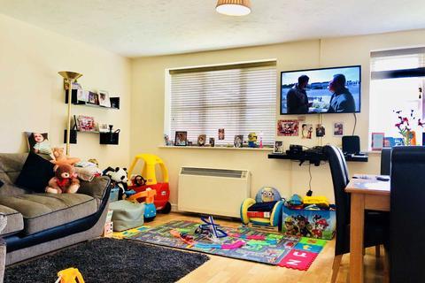 2 bedroom apartment to rent - Lovegrove Drive, Slough