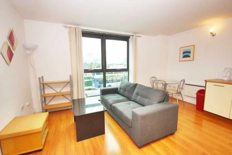 2 bedroom apartment to rent - City Point, Chapel Street, Manchester