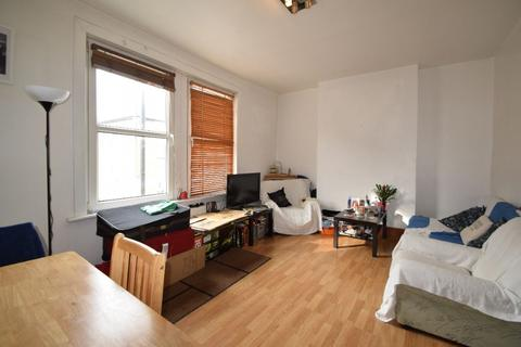1 bedroom flat to rent - Landor Road, London