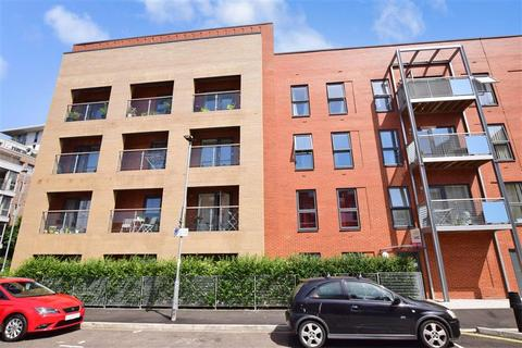 2 bedroom flat for sale - Prince George Street, Portsmouth, Hampshire