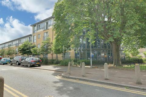 2 bedroom flat for sale - The Fanshawe, Gale Street, Dagenham