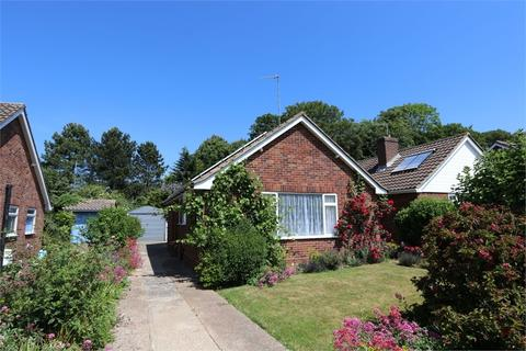 2 bedroom detached bungalow for sale - Richington Way, SEAFORD, East Sussex