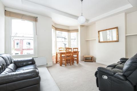 2 bedroom flat to rent - Shenley Road London SE5