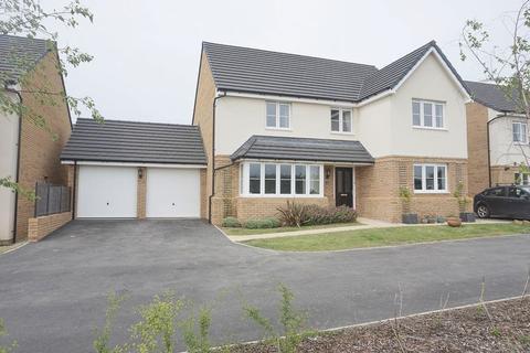 5 bedroom detached house for sale - Pomarine Close, Bude