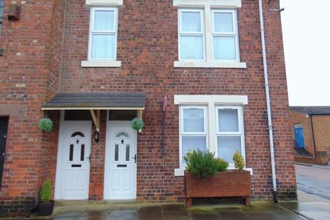 3 bedroom flat to rent - John Street, Coxlodge, Newcastle Upon Tyne