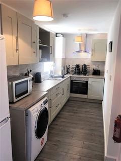 Studio to rent - Fully Refurbished Rooms Tonge Moor Road, Bolton