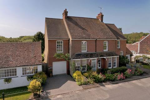 4 bedroom semi-detached house for sale - The Green, Offham