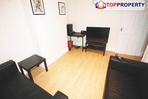 3 bedroom house share to rent - Gainsborough Road, Wavertree,