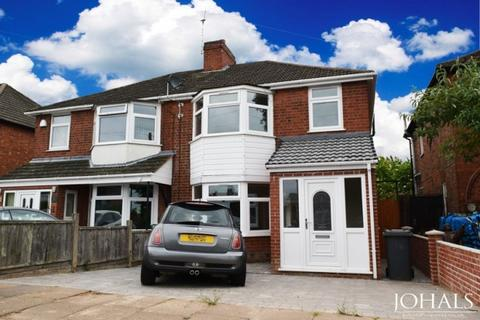 3 bedroom semi-detached house to rent - Heyworth Road,  Leicester, LE3