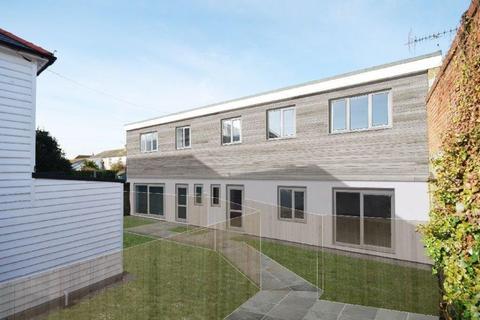 3 bedroom semi-detached house for sale - Park Road, Hythe