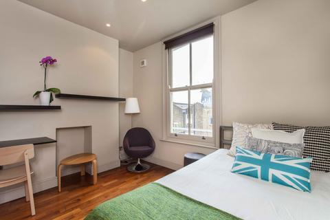 Studio to rent - St Charles Square, North Kensington