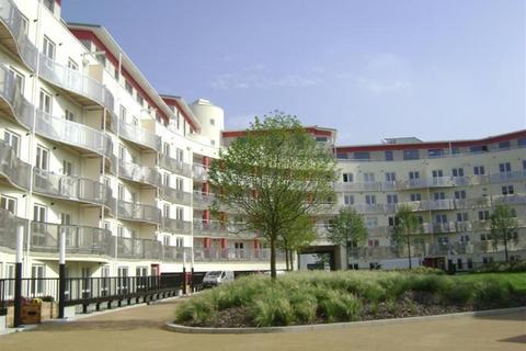 2 bedroom flat to rent - Harbourside, The Crescent, BS1 5JP