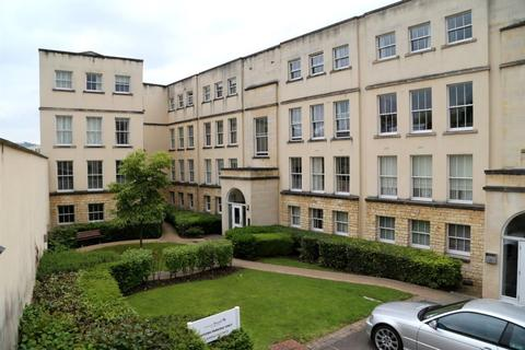 3 bedroom maisonette to rent - Victoria Bridge Court