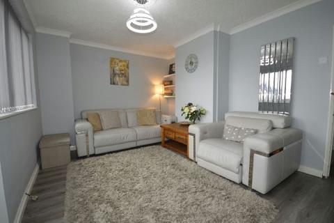 2 bedroom maisonette for sale - Roxwell Road, Barking, IG11