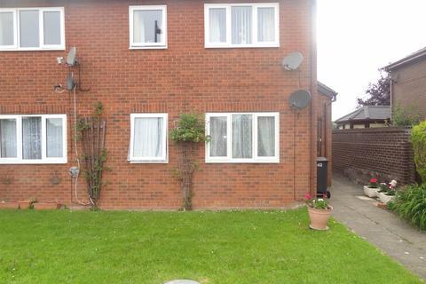 2 bedroom apartment to rent - Bowens Field, Wem, Shrewsbury
