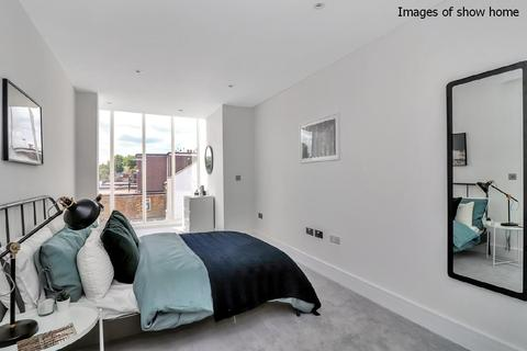 2 bedroom flat for sale - Richmond Road, Kingston Upon Thames