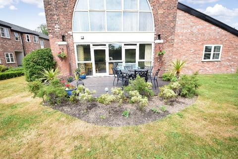 2 bedroom apartment for sale - Outwood House, Griffin Farm Drive, Heald Green