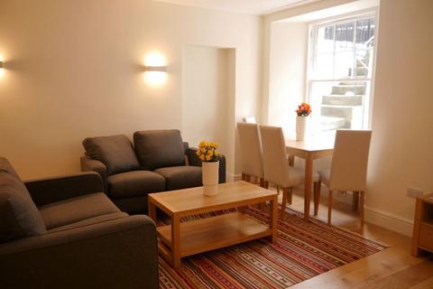 2 bedroom flat to rent - Montague Street, Newington, Edinburgh, EH8 9QT
