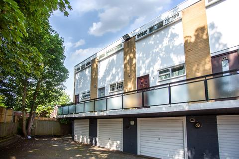 2 bedroom townhouse to rent - Ashmore Court, Heston Road, Hounslow TW5