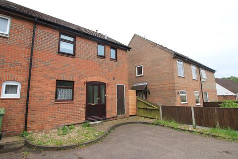 4 bedroom semi-detached house to rent - Harry Barber Close, Nowich, Norfolk NR5
